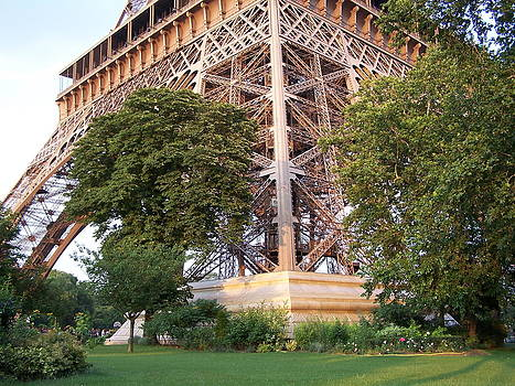 Earl Bowser - Eiffel Quad 001d