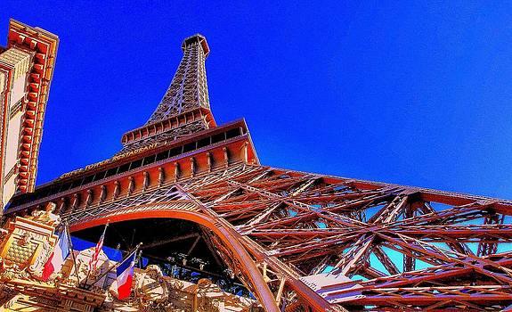 Eiffel Tower At Paris Las Vegas by Linda Edgecomb