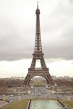 Eiffel tower by Luis Silva