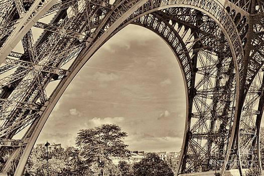 Chuck Kuhn - Eiffel Tower Up Close