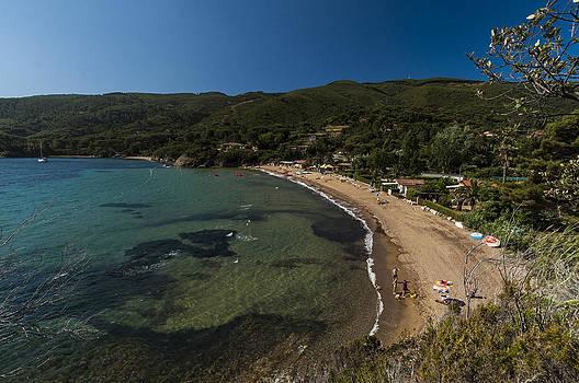 Enrico Pelos - ELBA ISLAND - On the beach 2 - ph Enrico Pelos