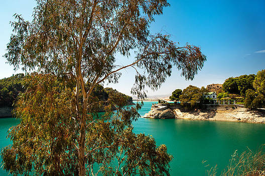 Jenny Rainbow - Emerald Lake with Duke House I. El Chorro. Spain