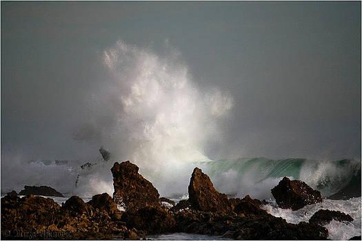 Emerald Storm SURFPLOZION by Mirza Ajanovic