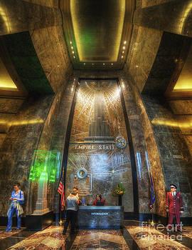 Yhun Suarez - Empire State Lobby Vertorama