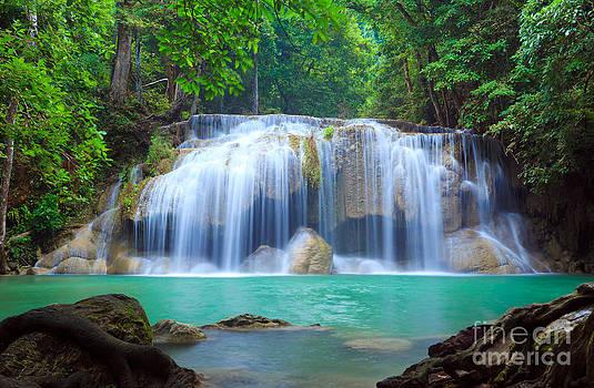 Erawan Waterfall by Noppakun Wiropart