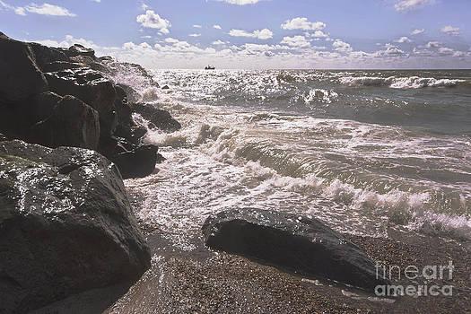 Eternal waves by Wedigo Ferchland