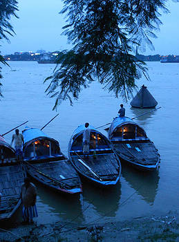 Evening light by Subhankar Bhaduri