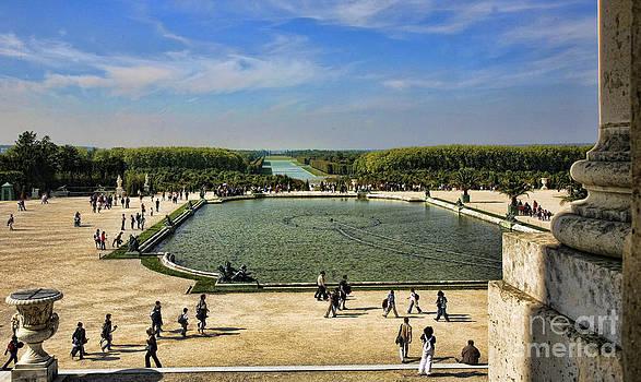 Chuck Kuhn - Exterior Versailles
