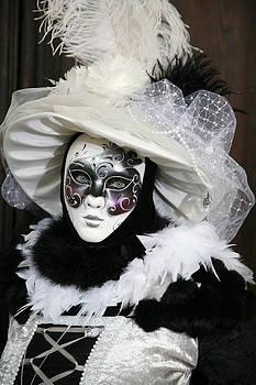Donna Corless - Fabienne