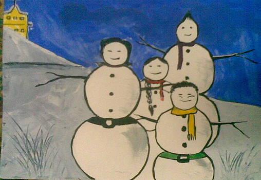 Family Of Snow by Lalhmunlien Varte
