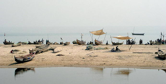 Fishing Scene Ghana by Barbara Allm