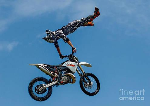 Andrea Kollo - Flying High Motorcyle Tricks
