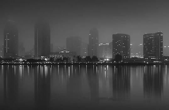 Margaret Pitcher - Fog On The Bay