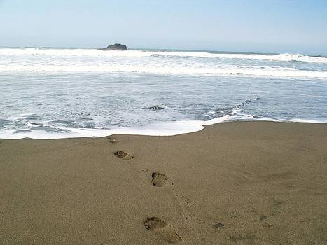 Lucie Buchert - Footprints in the Sand