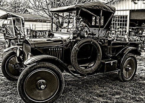 Kristie  Bonnewell - Ford Model T Black n White