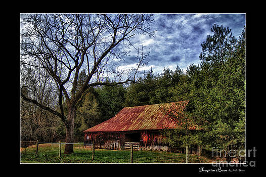Forgotten Barn by Grab Your Pics