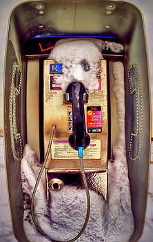 Frozen Contact   by Dmitriy Mirochnik