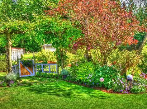 Garden Art by Lynette McNees