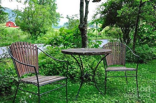 Wayne Nielsen - Garden Table for Two