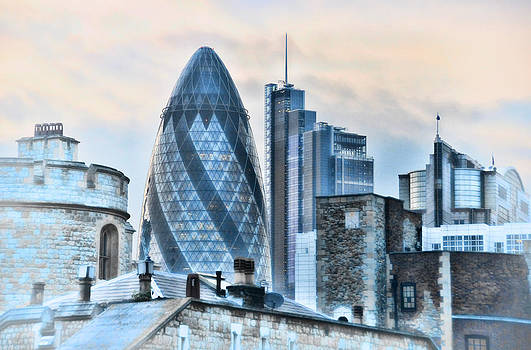 Gherkin over Tower of London by Rich Beer