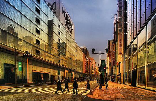 Ginza Tokyo by Slava Shamanoff