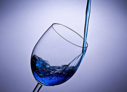 Glas whit water by Christoffer Rathjen