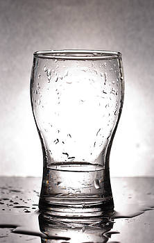 Glass with water  by Chatchawin Jampapha