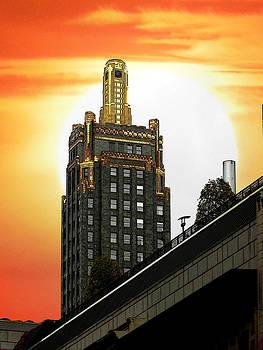 Golden skyscraper by Jesus Nicolas Castanon