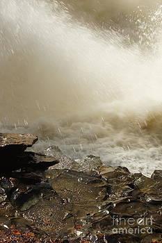 Gorge Falls by Diane Stresing