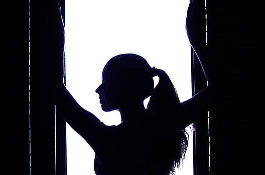 Jenny Rainbow - Graceful Silhouette