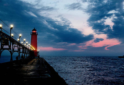 Grand Haven Lighthouse - Michigan by Rod  Arroyo