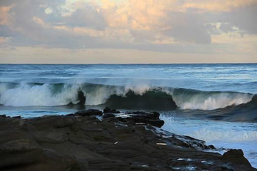 Great waves by Jeremy McKay