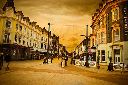 Great Yarmouth by Ruth MacLeod