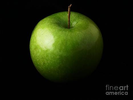 Green Apple by Alfredo Rodriguez