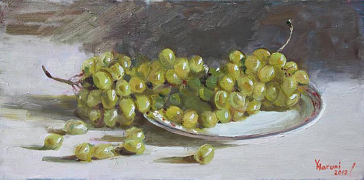 Ylli Haruni - Green Grapes