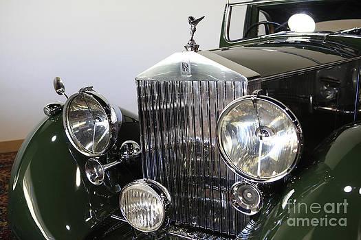 Green Rolls Royce by Nina Prommer