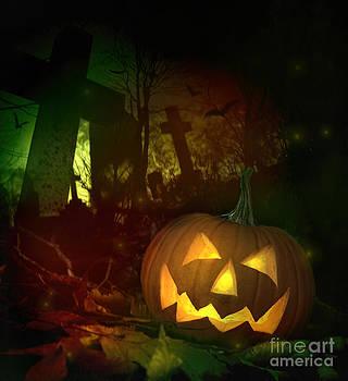 Sandra Cunningham - Halloween pumpkin in spooky cemetery