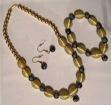 Handmade Necklace Set by Fatima Pardhan