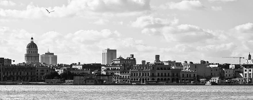 Nicole Neuefeind - Havana skyline