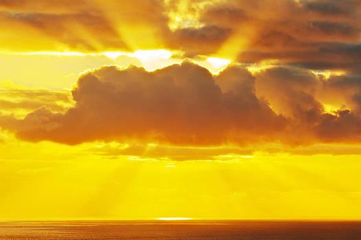 Hawaiian Sun Rays by Nolan Nitschke