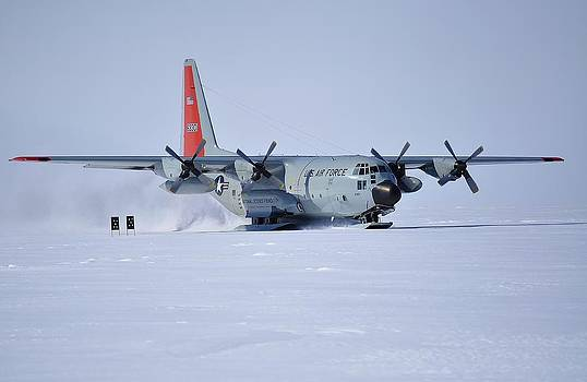 Hercules LC130H 02 by David Barringhaus
