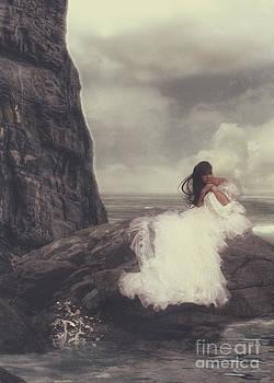 Lee-Anne Rafferty-Evans - Hide away bride
