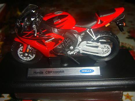 Honda Motorbike by Cherryl Fernandez