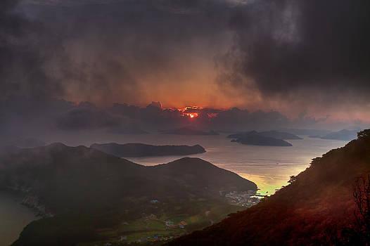 Hongpo sunset South Korea  by Gabor Pozsgai