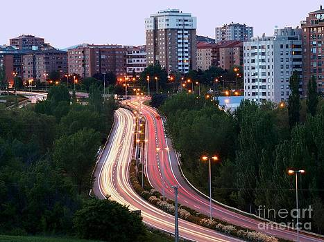 Hoprizontal View of City Traffic by Alfredo Rodriguez
