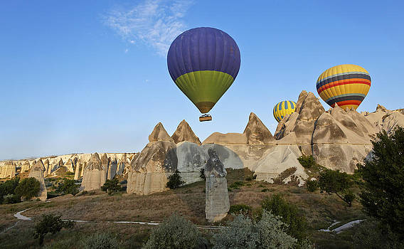Kantilal Patel - Hot air Balloons over Peaks