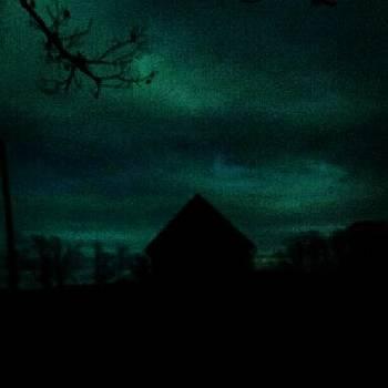 #house #dark #night #scary by Laura Vaillancourt