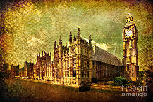 Yhun Suarez - House Of Parliament - London