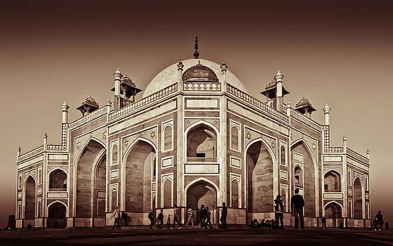 Humayun Tomb  by Sandeep Pandey