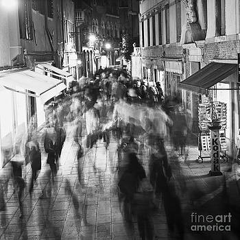 Heiko Koehrer-Wagner - Hustle and Bustle